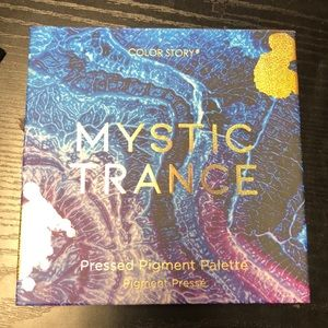 4/$10 Color Story Mystic Trance Eyeshadow Palette